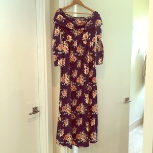 Off the shoulder long sleeve soft maxi dress large